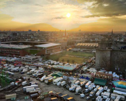 St. Pauli Stadion – Blick aus dem Skyliner – Hamburger Dom – iPhone Snapshot